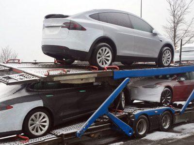 Tesla ma kłopoty z transportem aut. Może Elon Musk powinien poprosić o pomoc Polaków