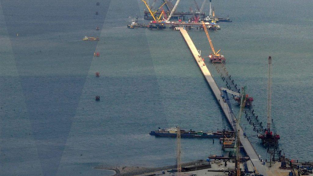 Ogromny most połączy Półwysep Krymski z Rosją