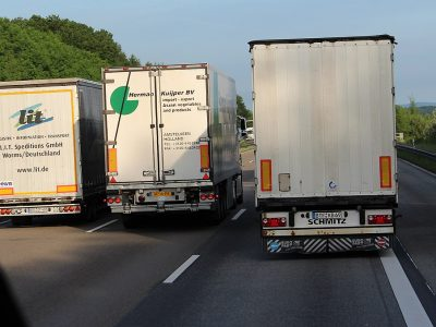 Beware of fatigue and distraction behind the wheel. The pupil test will check the reflexes of the truckers