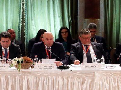 V4 találkozó: harcolni kell az uniós közlekedési piacért és meg kell védeni a 13ezer magyar vállalkozást
