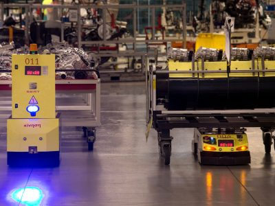 Industry 4.0 or… mobile robots transporting components