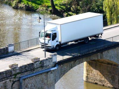 Gwałtowny wzrost liczby rejestracji ciężarówek w Polsce. Historyczny wynik