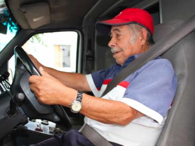 Saugos diržai kelių eismo ispanų policininkų taikiklyje. Kontrolei bus naudojami  sraigtasparniai.