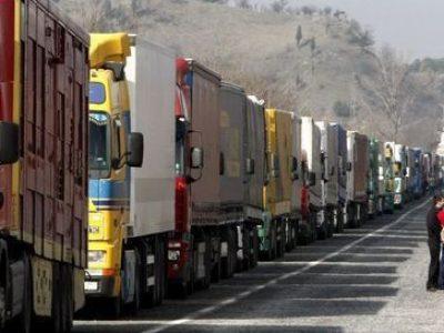 Peste 1000 de camioane sunt blocate la granița bulgaro-turcă