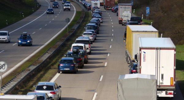 Weniger Stau auf Autobahnen. Hessen zeigt, wie's geht.