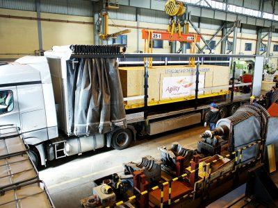 Z 20-tonowym wirnikiem obchodzili się jak z jajkiem. Nietypowy transport do Korei