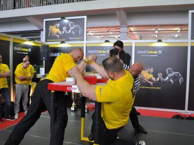 Kierowcy-siłacze na start! Konkurs w siłowaniu na rękę już w sobotę