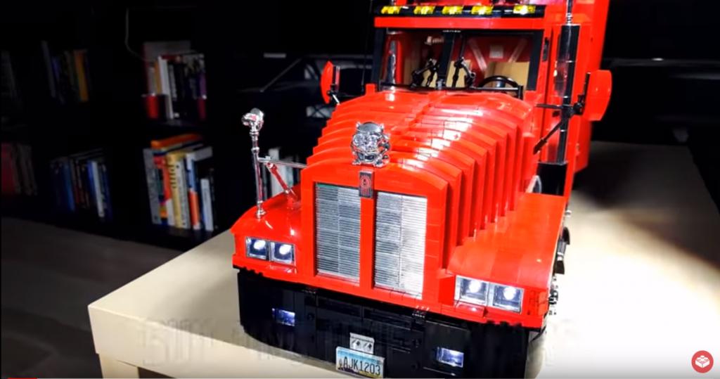 Miniatura ciężarówki zbudowana z kilku tysięcy elementów. Zobacz efekt tytanicznej pracy miłośnika trucków