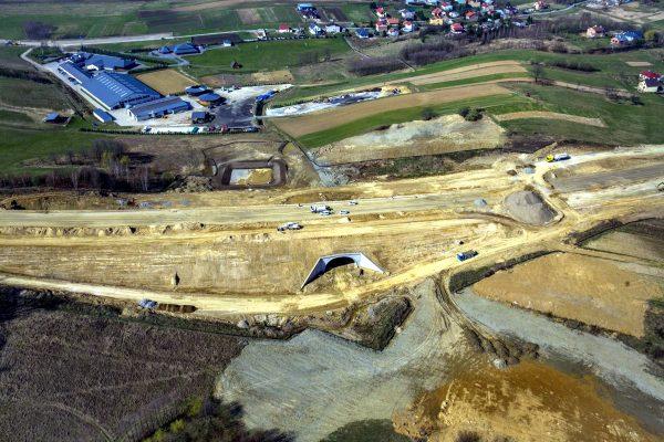 Via Carpatia może pobudzić logistykę na wschodzie Polski. Sama droga, to jednak za mało