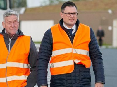 Doi parlamentari europeni și un membru IRU au petrecut o noapte într-o parcare de camioane din Belgia. Ce concluzii au tras aceștia?