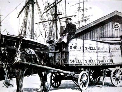 Historia transportu – odcinek 10. Pierwsze silniki benzynowe były tak zawodne, że przewoźnicy musieli trzymać konie