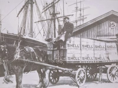 History of transport part 8. First gasoline engines were so unreliable that carriers had to keep horses