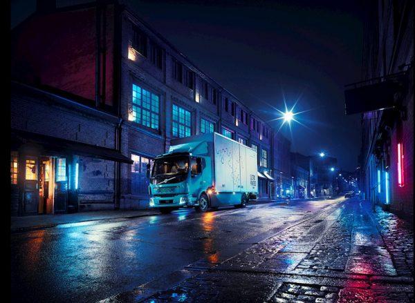 Producent ciężarówek rusza ze specjalnym programem finansowym. Chce wesprzeć przewoźników w wyjściu