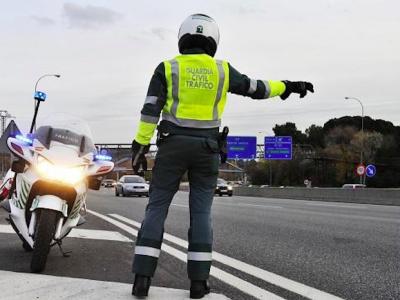 Kontroversen um spanische Vorschriften über die wöchentliche Ruhepause. Jetzt nimmt die EU Stellung