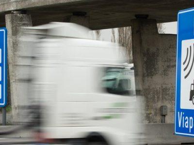 Transportatorii belgieni solicită compensații pentru defecțiunile survenite la sistemul de taxare rutieră