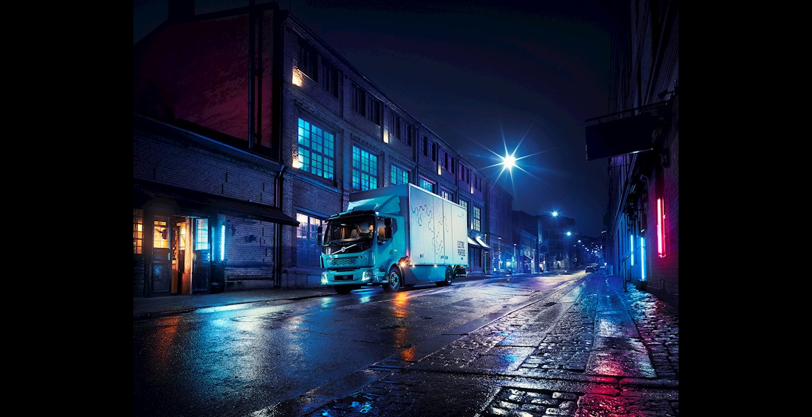 Volvo presents its first e-truck. FL Electric travels 300 km on full batteries