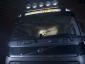Volvo z gitarą muzyka legendarnego zespołu w kabinie. Niecodzienna gratka dla fanów ostrego brzmienia