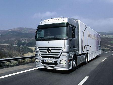 INS: Numărul vehiculelor pentru transportul mărfurilor este în creștere