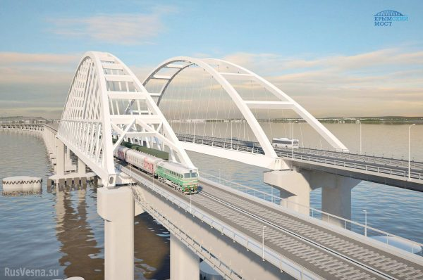 Most krymski ukończony, ale ciężarówki i tak popłyną na promach?