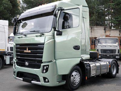 MAZ išleido pirmąjį serijinį Euro-6 klasės sunkvežimį [nuotraukų galerija]