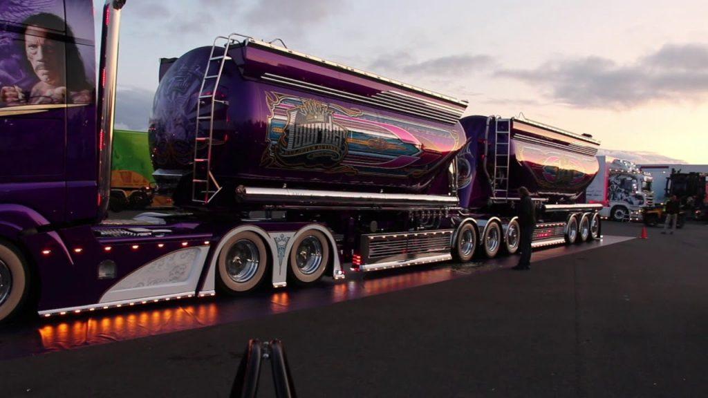 Įspūdingas Mercedes Actros 2363 tiesiai iš Suomijos. Pasigrožėkite purpurine cisterna po tiuningo