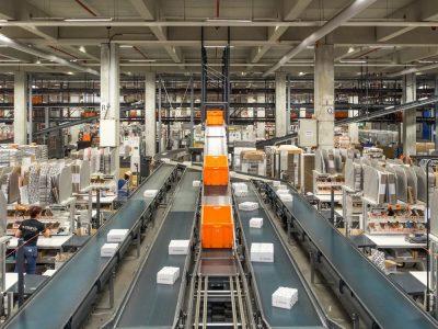 Zalando rozbudowuje flotę robotów w niemieckim centrum logistycznym