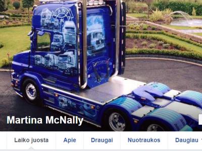 """21 metų vilkiko vairuotoja iš Airijos ir jos """"Scania"""" yra tokios gražios, kad gali sustabdyti gatvių eismą"""