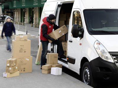 Una forma holandesa para la escasez de personal en el transporte. Los conductores del ejército apoyarán a una empresa conocida