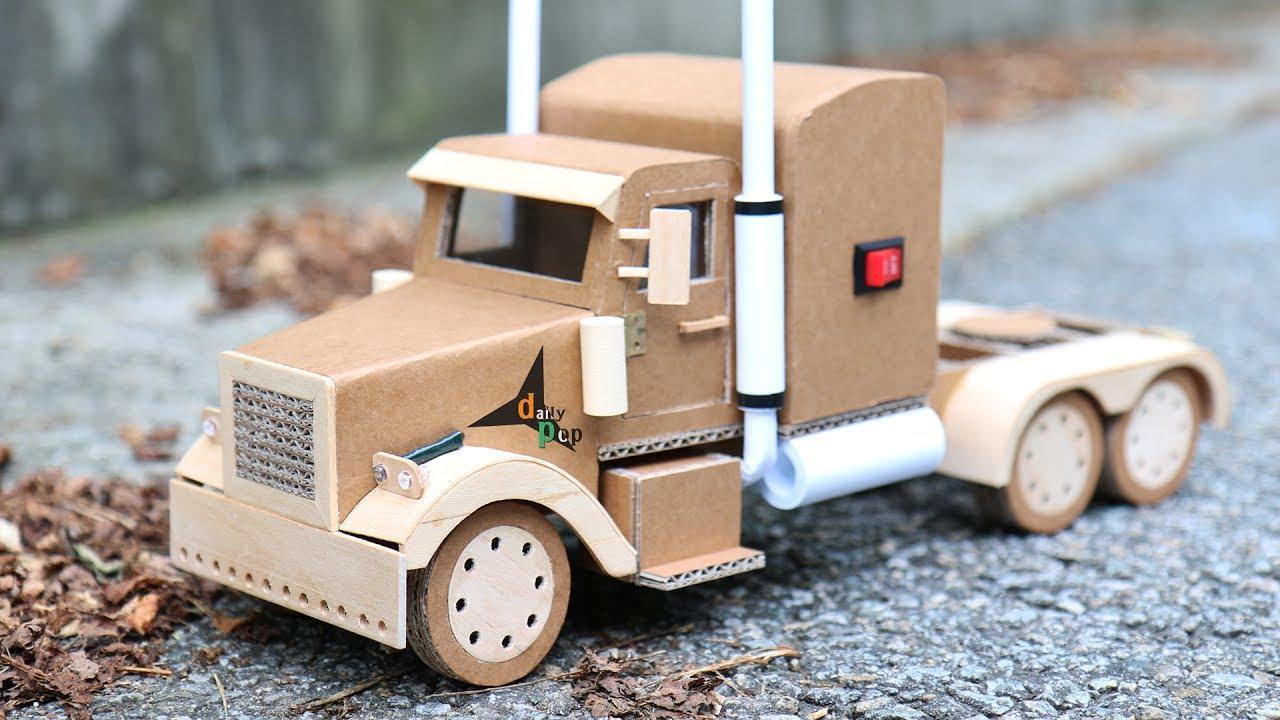 Kaip padaryti Peterbilto miniatiūrą iš kartono? Pažiūrėkite neįprastą video