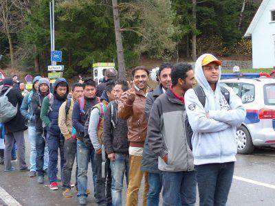 Pabėgėliai – Vokietijos transporto ateitis. Prasidėjo prieštaringa programa ir sukėlė audrą