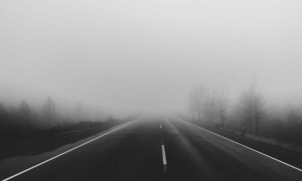 Eismo sąlygas šiaurės ir vakarų Lietuvoje sunkina rūkas, perspėja kelininkai