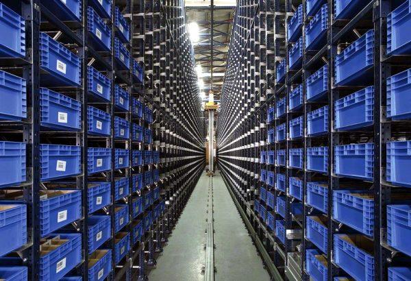Logistyka 4.0 w praktyce. Technologia miniload maksymalnie wykorzystuje przestrzeń magazynu
