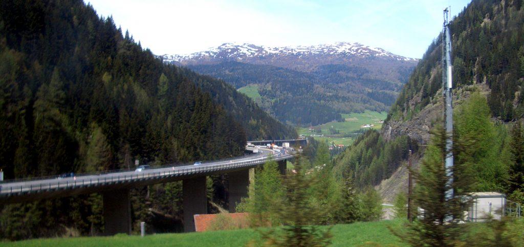 Sürgős útépítés Brenneren + 3 nap blokkosítás a jövő héten