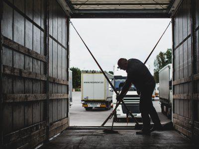 Socialinių reikalų ir darbo komitetas: būtina sparčiau gerinti tolimųjų reisų vairuotojų darbo sąlygas