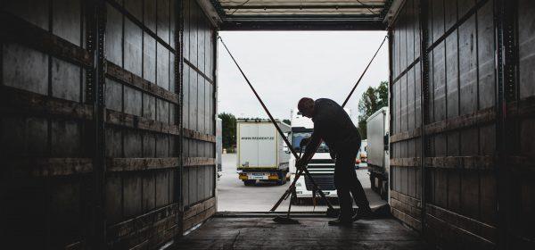 Socialinių reikalų ir darbo komitetas: būtina sparčiau gerinti tolimųjų reisų vairuotojų darbo sąlyg