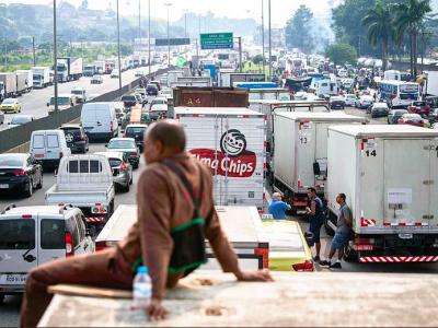 Brazylijscy kierowcy ciężarówek sparaliżowali cały kraj. Władze ugięły się i spełniają ich żądania
