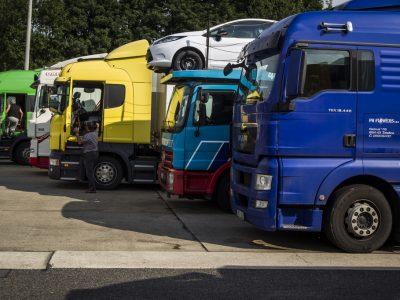 Több gépjármű került forgalomba idén, mint várták. Tovább növekszik a gépjárműimport Magyarországon.