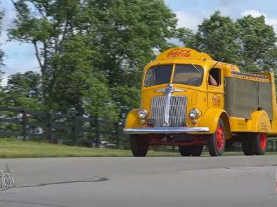 Ponad tysiąc retro ciężarówek w jednym miejscu! [WIDEO, ZDJĘCIA]