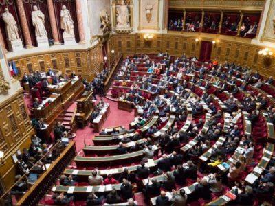 A franciák keresik a pénzt az utak fenntartására és építésére – újabb adó jön teherautóknak