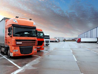 Logistikos verslas ieško būdų, kaip užtikrinti tolesnę vežėjų veiklą. Konkretūs verslininkų reikalavimai Vyriausybei