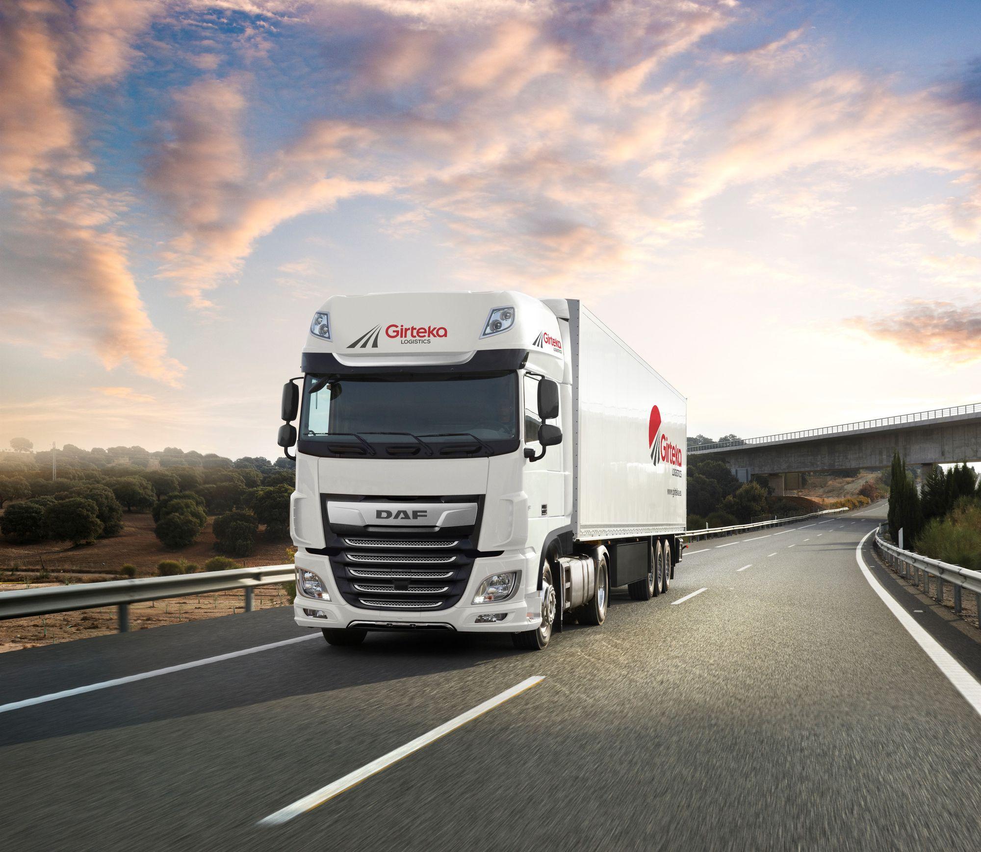 """""""Girteka Logistics"""" įgijo 500 naujų DAF XF sunkvežimių"""