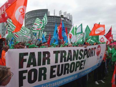 Największa frakcja z Parlamentu Europejskiego odpiera zarzuty związkowców ws. warunków pracy kierowców