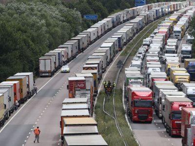 A Brock-művelet lenne a megoldás a Brexitre? Váltott irányú forgalom Dovernél