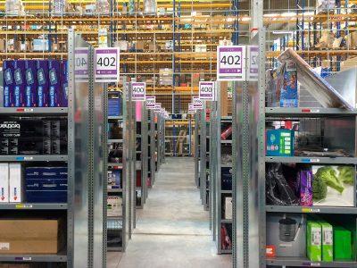 Superszybkie roboty pakujące Amazona. Zastąpią pracowników?