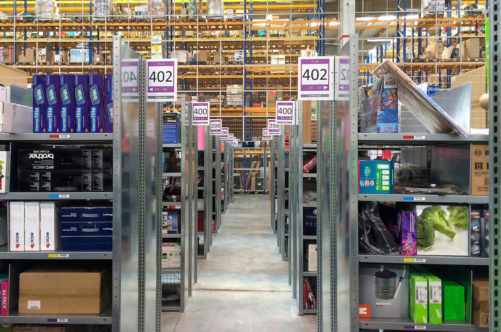 International giants build warehouses in Poland
