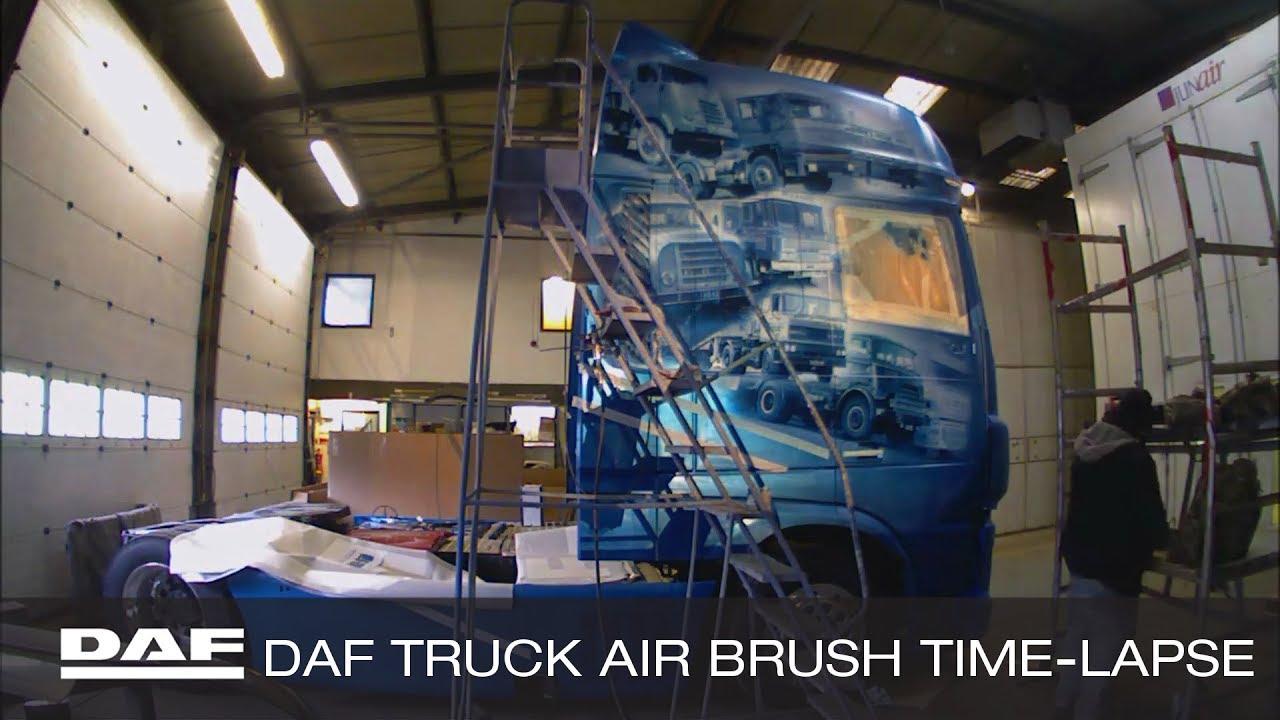 """""""DAF"""" prekės ženklo 90 metų jubiliejus, arba Olandų gamintojo istorija nupiešta ant sunkvežimio"""