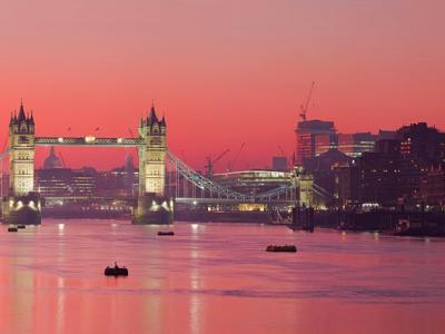 """London sagt Kampf """"mit verpesteter Luft"""" an und verhängt Gebühren für LKW"""