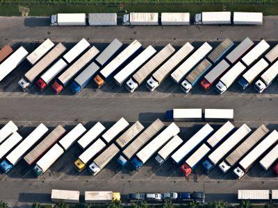A legközelebbi közlekedési tilalmak teherautók számára. Nézd meg, hol és mikor lesznek érvényben!
