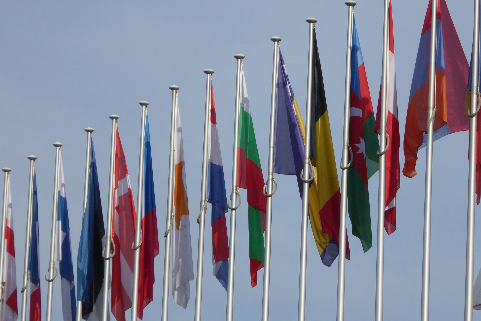 """9 państw apeluje do Brukseli w sprawie Pakietu Mobilności. Jego przepisy są """"restrykcyjne, dyskryminujące i protekcjonistyczne"""""""