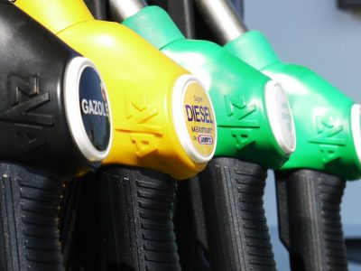 Változik az üzemanyagok jelölése. Viszlát 98-as, 95-ös, gázolaj! Helló, E5, E10 és a B7!